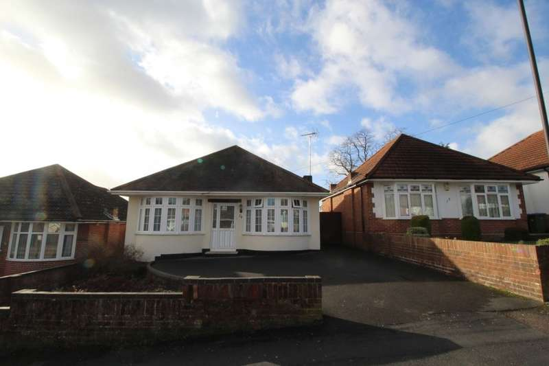2 Bedrooms Detached Bungalow for sale in Taunton Drive, Southampton, SO18