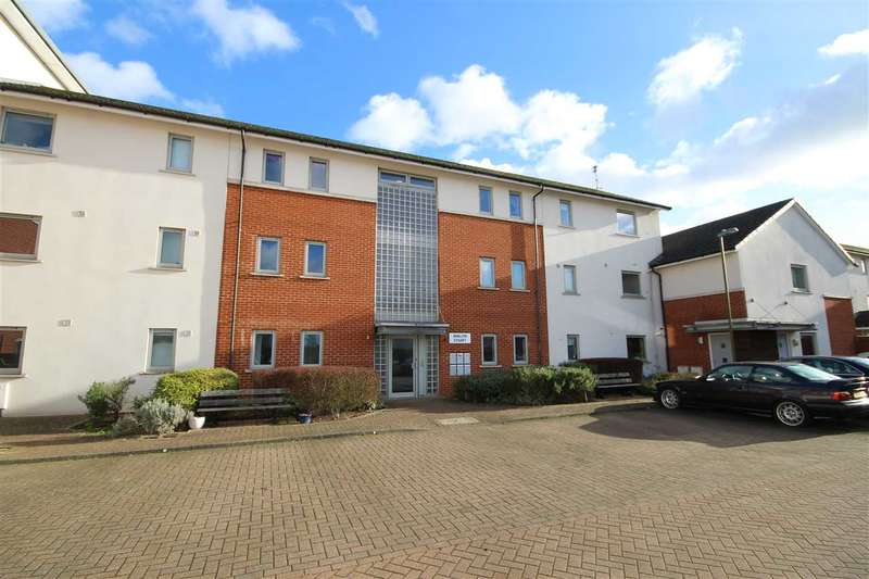 2 Bedrooms Flat for sale in Avalon Court, North Bushey, WD23.