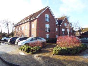 2 Bedrooms Flat for sale in Jasmine Court, Hawthorn Road, Bognor Regis, West Sussex