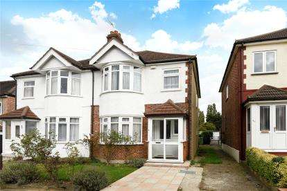 3 Bedrooms Semi Detached House for sale in Felhampton Road, London