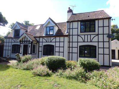 4 Bedrooms Detached House for sale in West Beckham, Holt, Norfolk