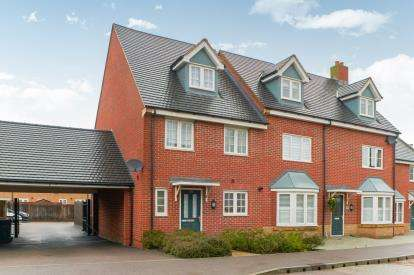 4 Bedrooms Semi Detached House for sale in Brooklands Avenue, Bedford, Bedfordshire, .