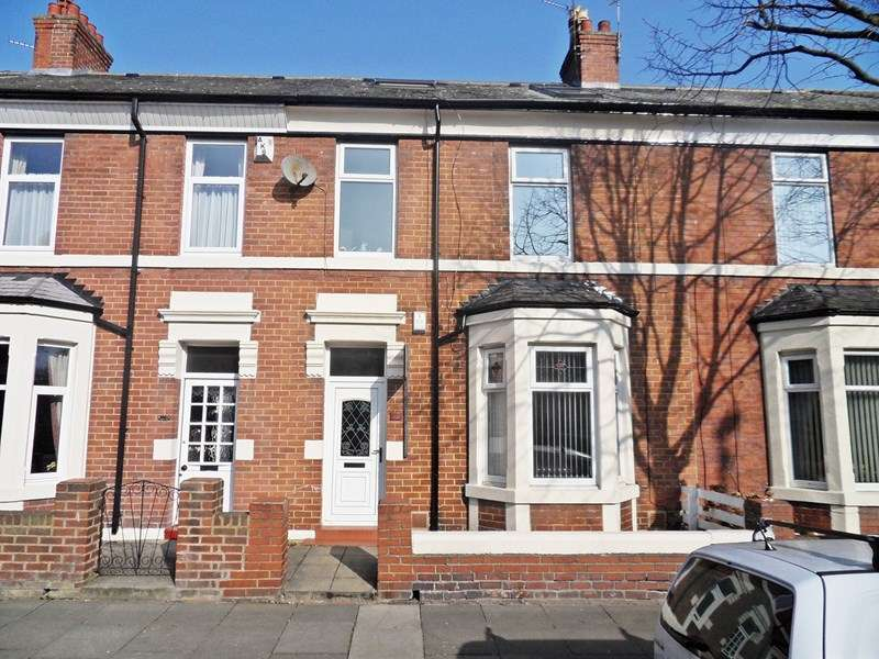 4 Bedrooms Property for sale in Queen Alexandra Road, North Shields, North Shields, Tyne & Wear, NE29 9AS