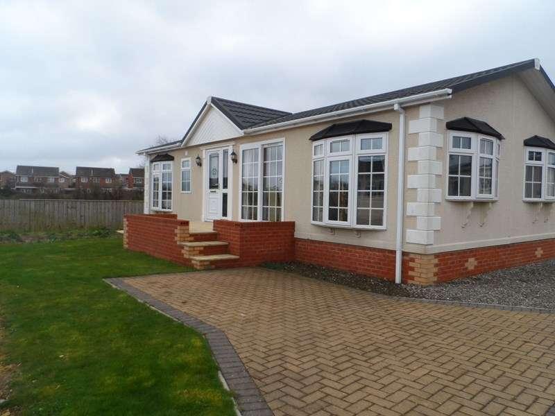 2 Bedrooms Bungalow for sale in Easington Road, Hartlepool, Hartlepool, Durham, TS24 9SJ