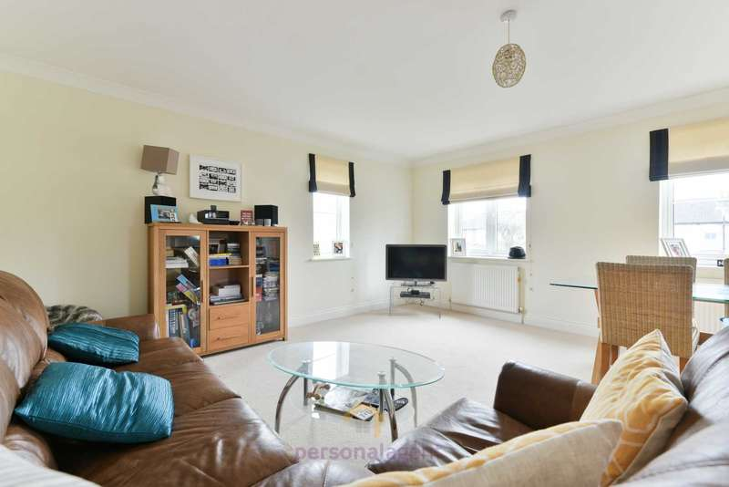 2 Bedrooms Flat for rent in Diceland Road, Banstead