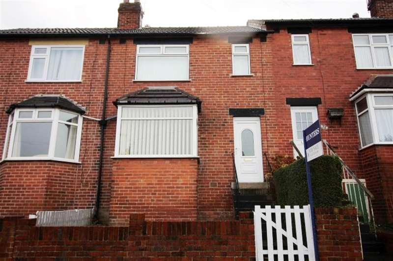 3 Bedrooms Terraced House for sale in Aston Place, Bramley, LS13
