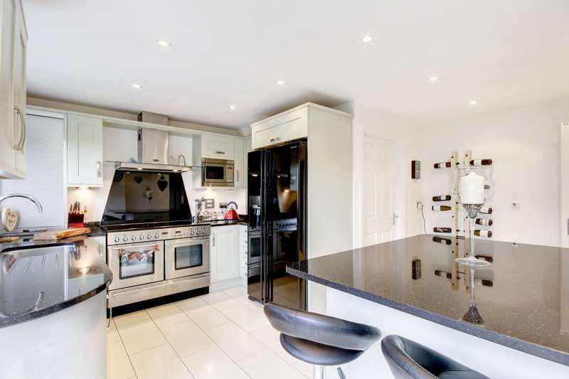 5 Bedrooms Detached House for rent in Orchard End Chieveley RG20