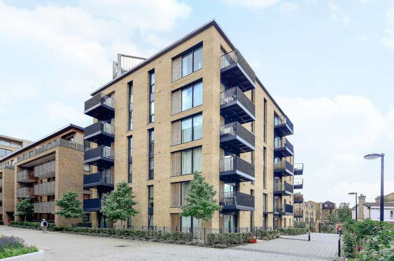 2 Bedrooms Flat for rent in Maple Quays, Canada Water, SE16
