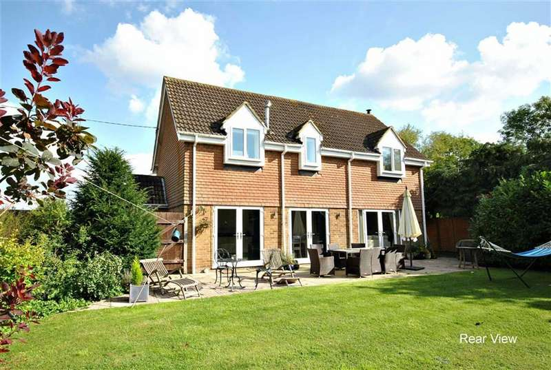 4 Bedrooms Detached House for sale in Denton