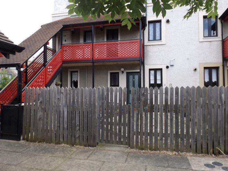 2 Bedrooms Apartment Flat for sale in Kingsmere Gardens, Walker - Two Bedroom Ground Floor Flat