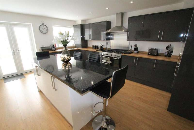 3 Bedrooms Semi Detached House for sale in Pemberton Road, Woodham, Newton Aycliffe