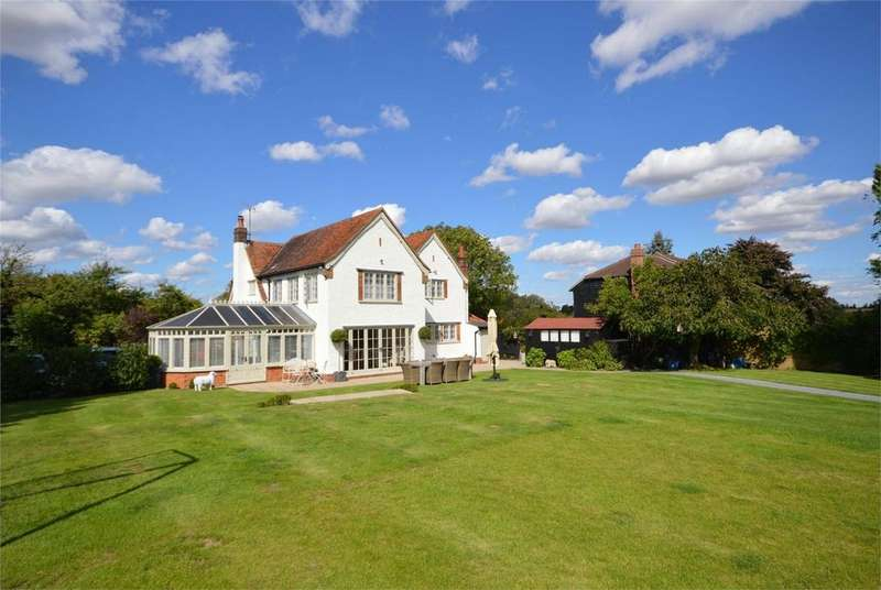 4 Bedrooms Detached House for sale in Lunds Farm House, Wind Hill, Magdalen Laver, ONGAR, Essex