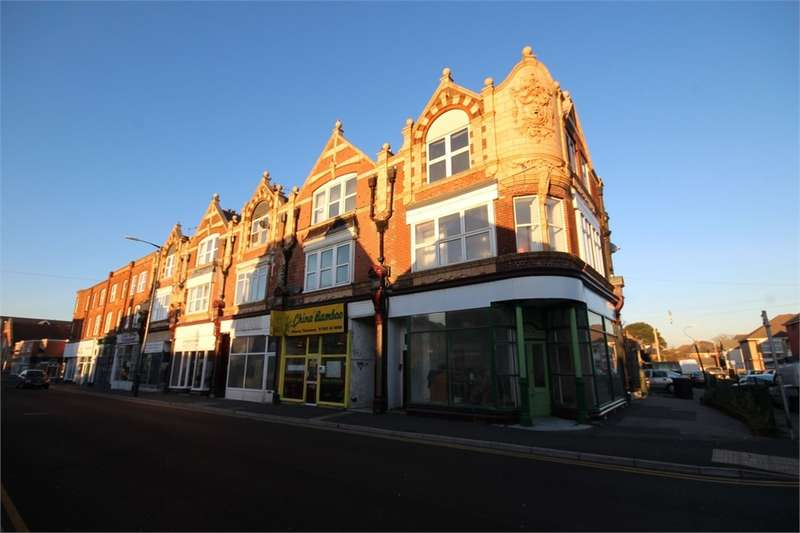 2 Bedrooms Flat for sale in Seabourne Road, Southbourne