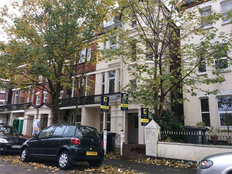 2 Bedrooms Flat for sale in Norwich Avenue West, BOURNEMOUTH, Dorset