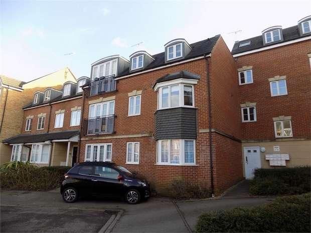 2 Bedrooms Flat for rent in Lindler Court, Leighton Buzzard, Bedfordshire