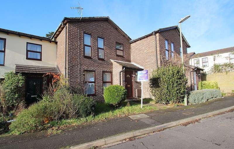 3 Bedrooms Terraced House for sale in Cleveland Drive, Fareham