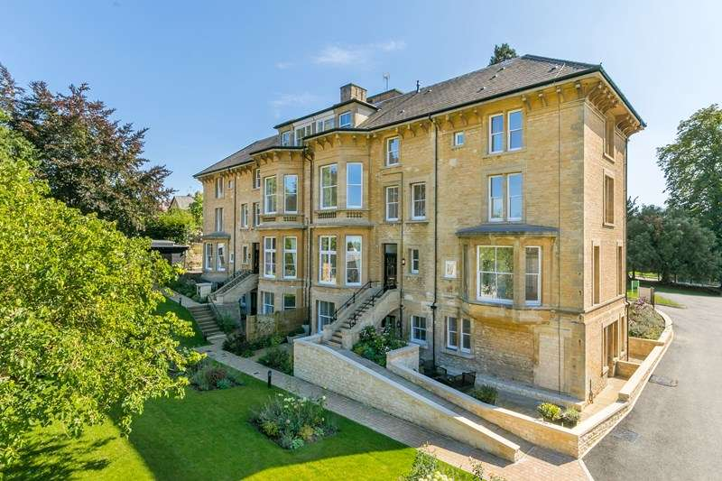 3 Bedrooms Town House for sale in New Street, Chipping Norton