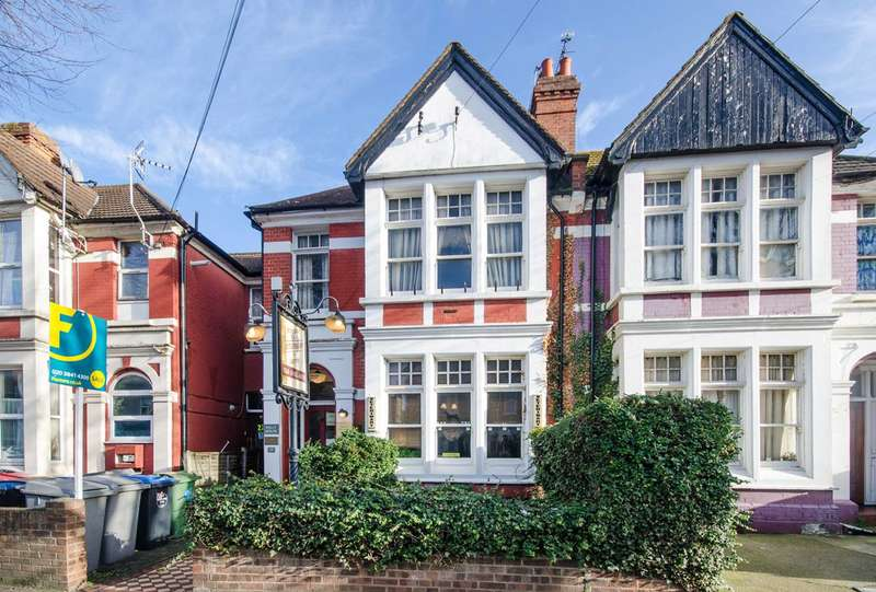 3 Bedrooms Terraced House for sale in Ranelagh Road, Wembley, HA0