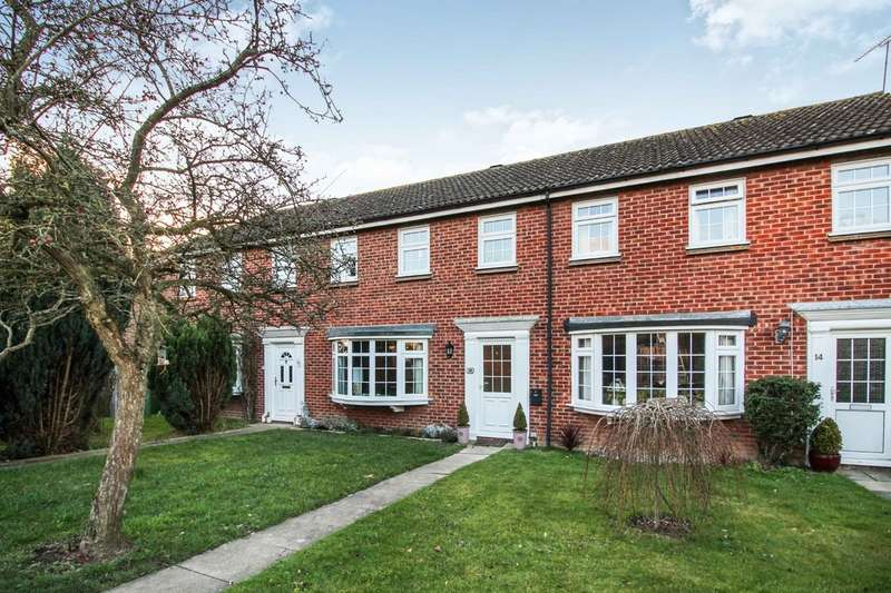 3 Bedrooms Terraced House for sale in Thelton Avenue, Broadbridge Heath