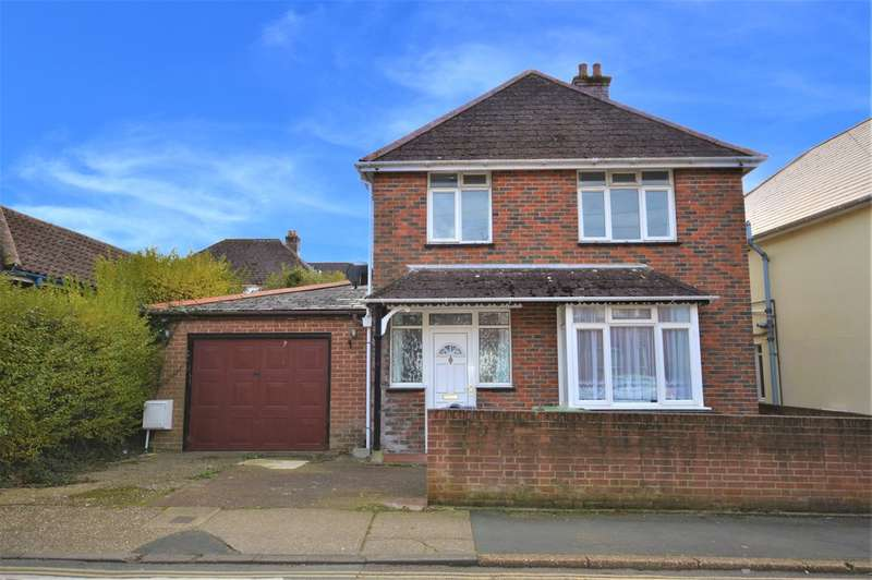 4 Bedrooms Detached House for sale in New Road, Sandown