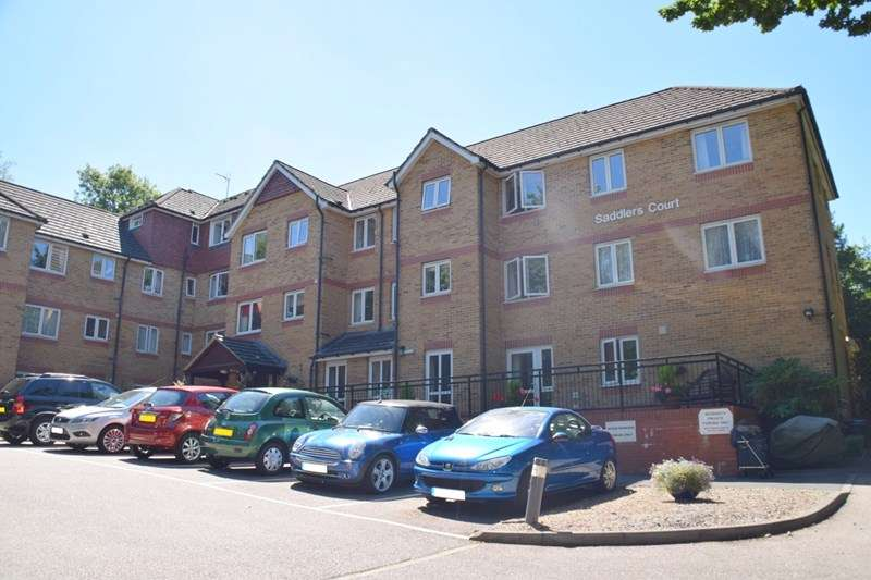 1 Bedroom Property for sale in Saddlers Court, Epsom, KT18 7PS