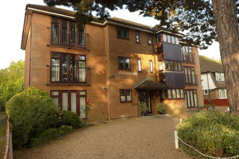 2 Bedrooms Apartment Flat for sale in The Avenue, Pinner, Middlesex