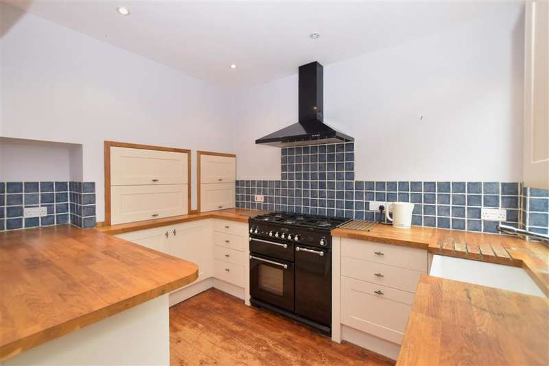 3 Bedrooms Terraced House for sale in Osborne Road, , Petersfield, Hampshire