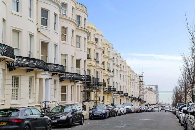 2 Bedrooms Flat for sale in Lansdowne Place, Hove, East Sussex, BN3