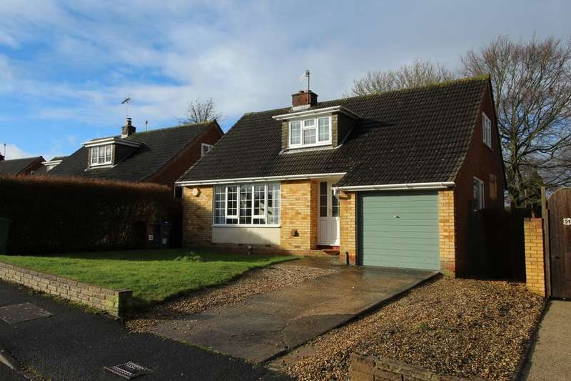 3 Bedrooms Detached House for sale in Wessington Park, Calne, SN11