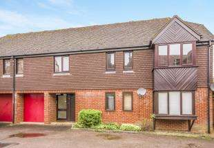 2 Bedrooms Flat for sale in Holmesdale Road, Reigate, Surrey