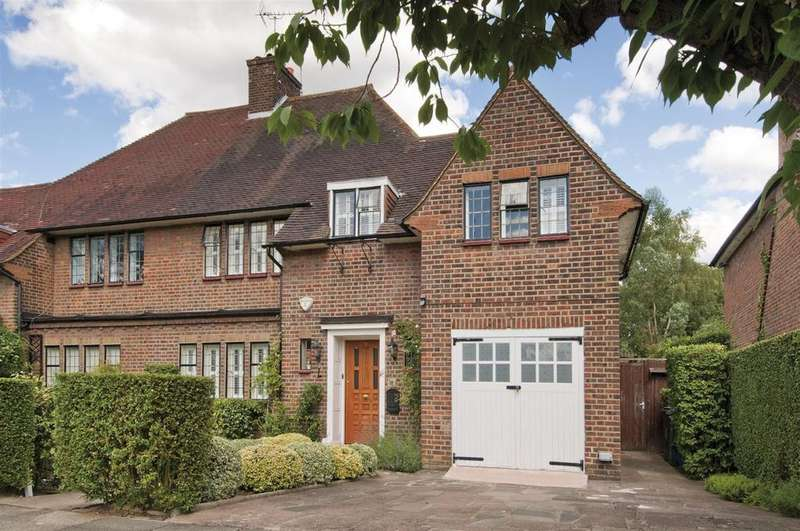 4 Bedrooms Detached House for sale in Litchfield Way, NW11