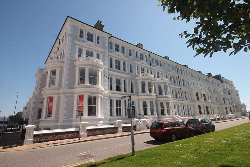 2 Bedrooms Apartment Flat for sale in Howard Square, Eastbourne