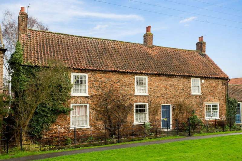 4 Bedrooms Detached House for sale in Flaxton, York