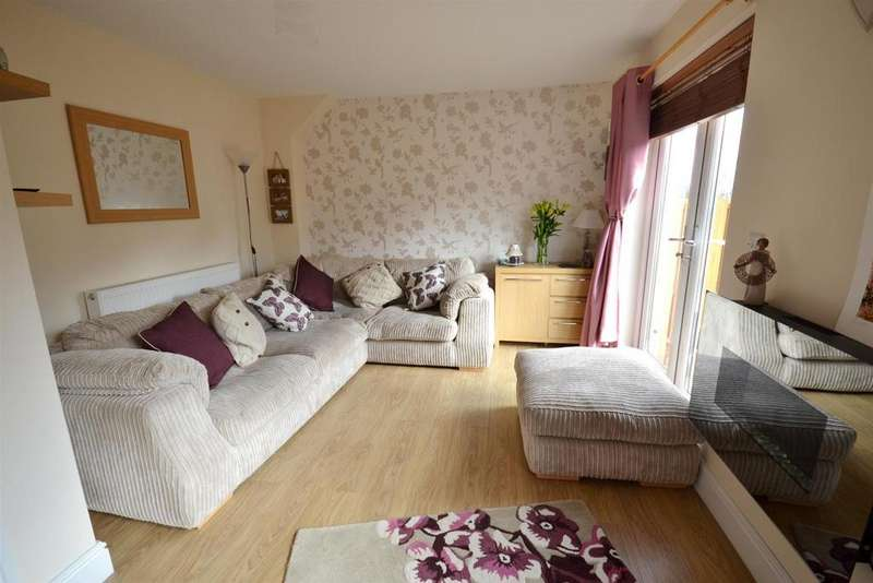3 Bedrooms Semi Detached House for sale in Pennar Court, Pembroke Dock
