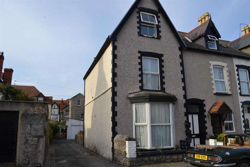 3 Bedrooms Terraced House for sale in Victoria Street, Llandudno