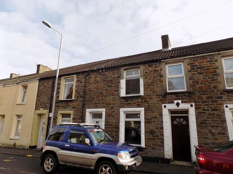 2 Bedrooms Property for sale in Crythan Road, Neath, Neath Port Talbot. SA11 1SR
