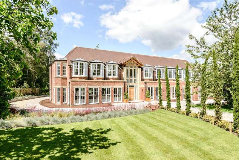 6 Bedrooms Detached House for sale in Fulmer Common Road, Fulmer, Buckinghamshire, SL0