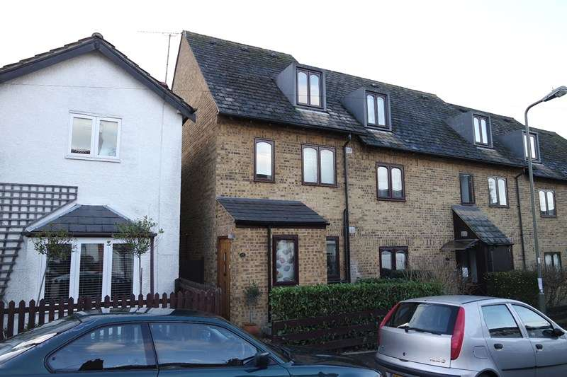 3 Bedrooms End Of Terrace House for sale in Puller Road, High Barnet
