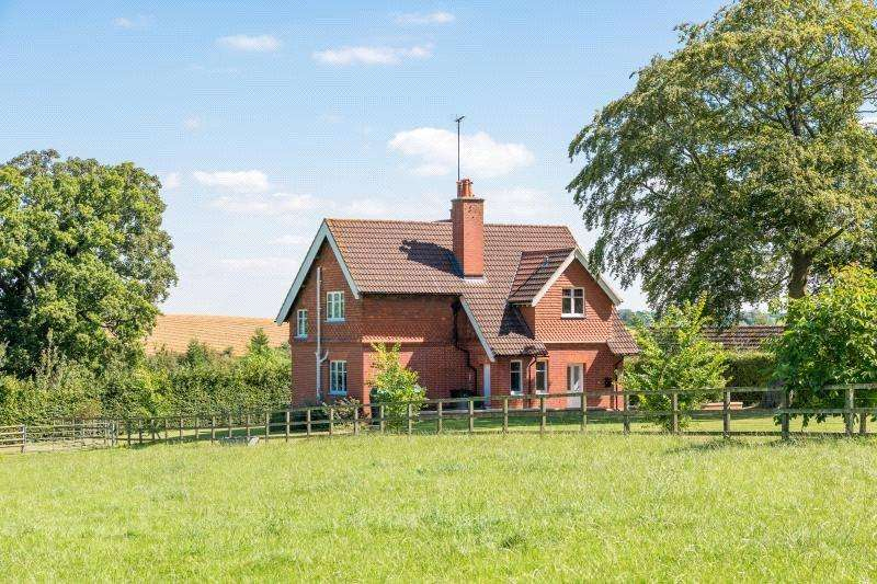 4 Bedrooms Detached House for sale in Cowbridge, Malmesbury, Wiltshire, SN16