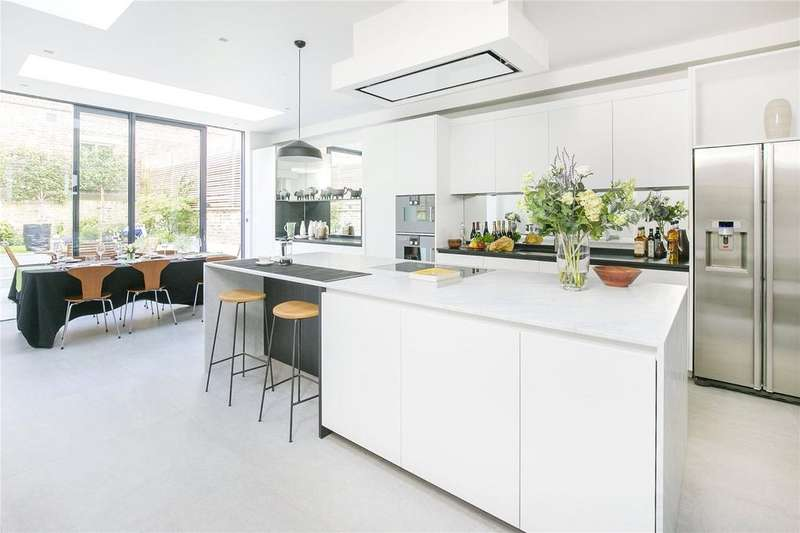 6 Bedrooms Terraced House for sale in Rosenau Road, Battersea, London, SW11