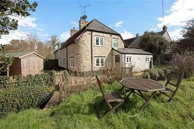 2 Bedrooms Semi Detached House for rent in Lowton, Blagdon Hill Nr Taunton