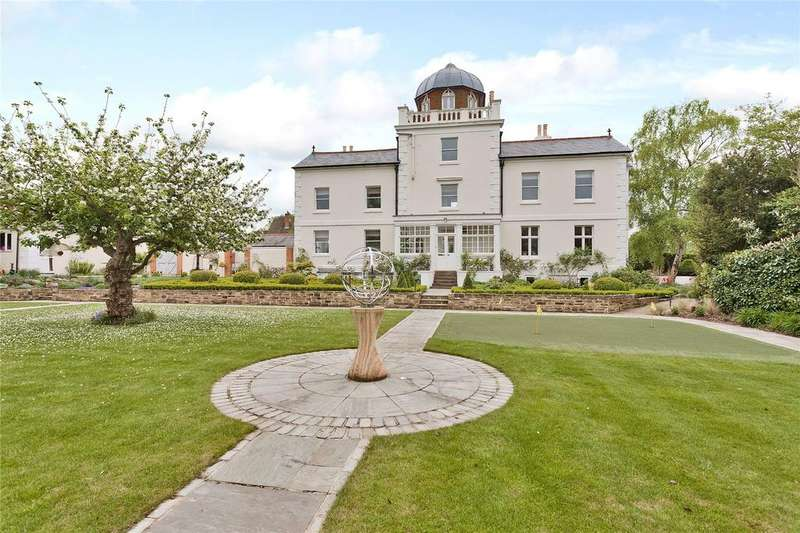 5 Bedrooms Detached House for sale in Pewley Hill, Guildford, Surrey, GU1