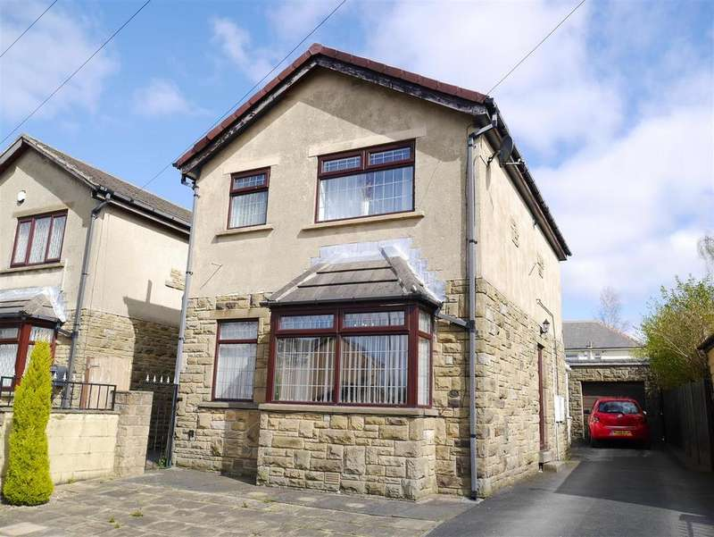 3 Bedrooms Detached House for sale in Broughton Avenue, Bierley