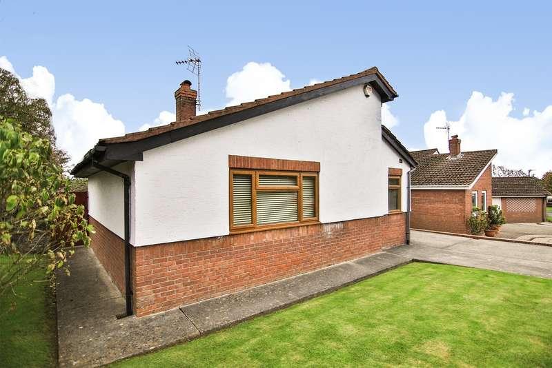 3 Bedrooms Detached Bungalow for sale in Shakespeare Drive, Llantwit Major
