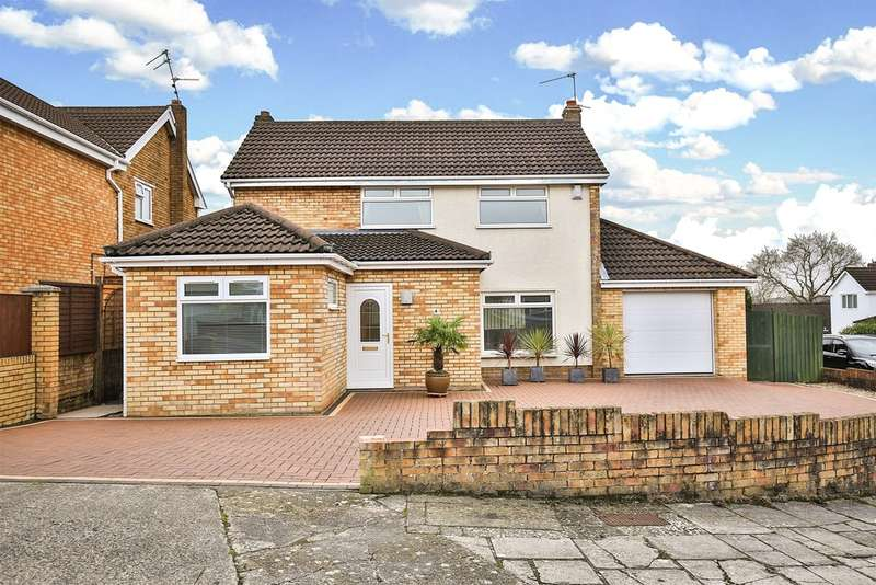 3 Bedrooms Detached House for sale in Lomond Crescent, Lakeside, Cardiff
