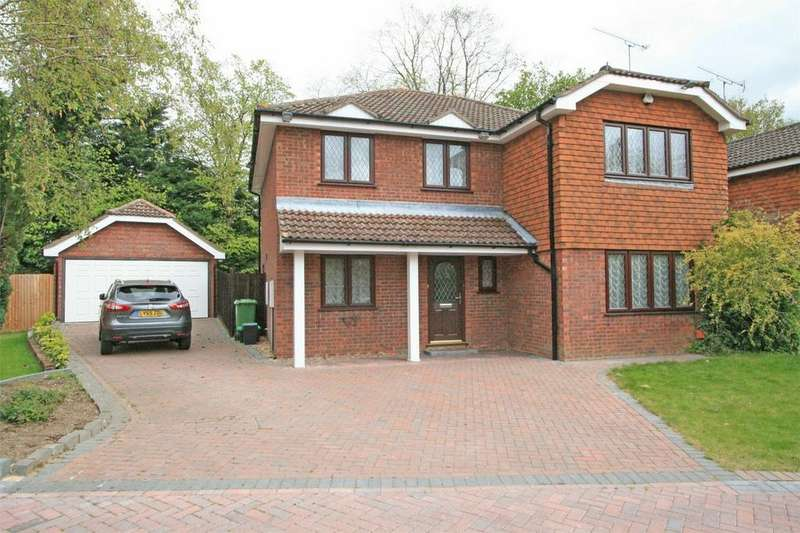 4 Bedrooms Detached House for sale in High Grove, Bromley, Kent