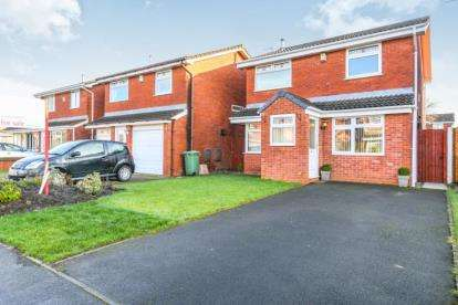 3 Bedrooms Detached House for sale in Crown Park Drive, Newton-Le-Willows, St Helens, Merseyside