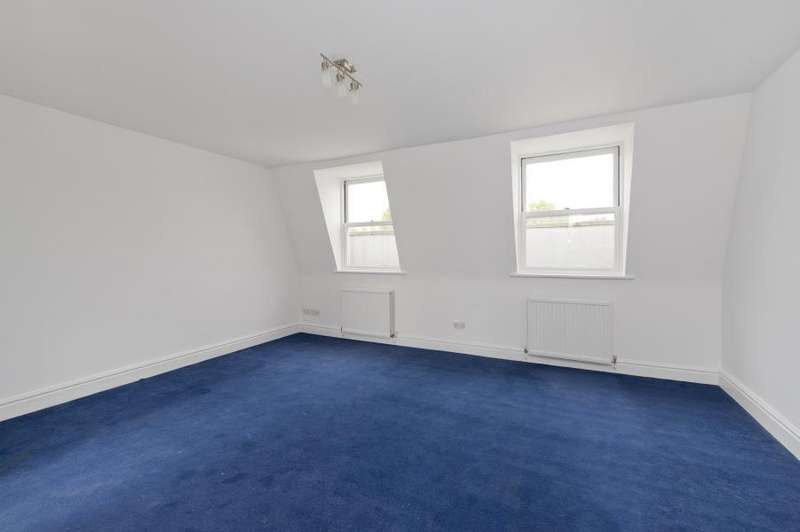 Studio Flat for sale in Chesterton Road, North Kensington W10