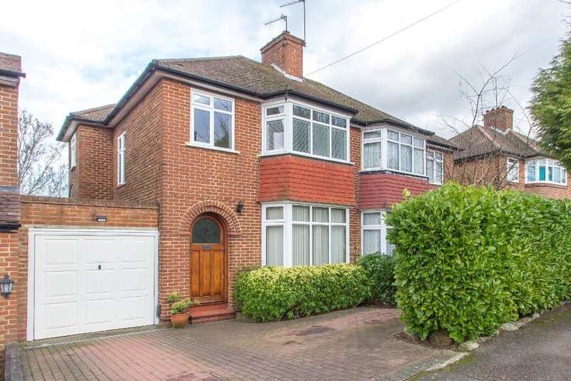 3 Bedrooms Semi Detached House for sale in Derwent Drive, Riddlesdown, CR8 1ER