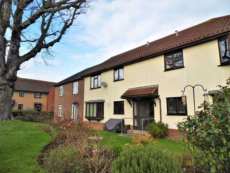 2 Bedrooms Retirement Property for sale in Hilltop Close, Rayleigh